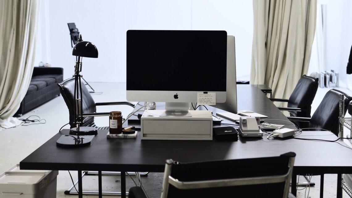 Habitation : Quel type d'ampoule choisir pour la lampe de son bureau?